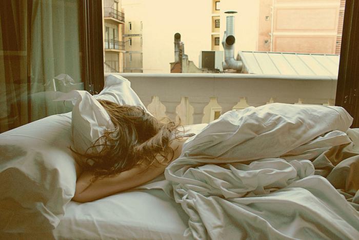 http://elenita.no/img/2010/may/bed.jpg